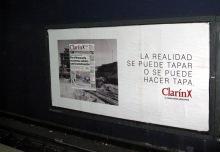 Reciente publicidad de Clarín en el subte