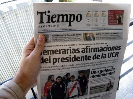 Tapa del diario Tiempo Argentino
