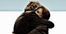abrazo nestor y cristina